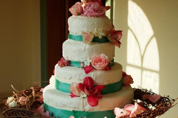 visual-lyrics-cake-decoration587DE63D0-B887-BF98-86B7-1463B3443C63.jpg