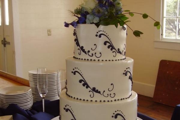 visual-lyrics-cake-decoration695B50426-B3B3-522C-53AF-FD6FDD89DD49.jpg