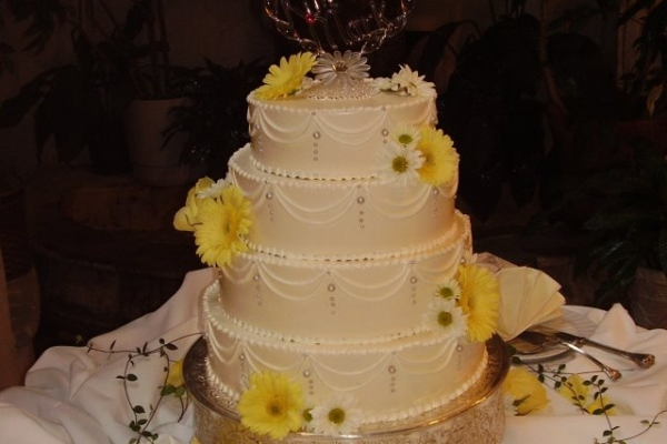 visual-lyrics-cake-decoration71B99F487-5298-31E0-356B-105F52F77CF2.jpg