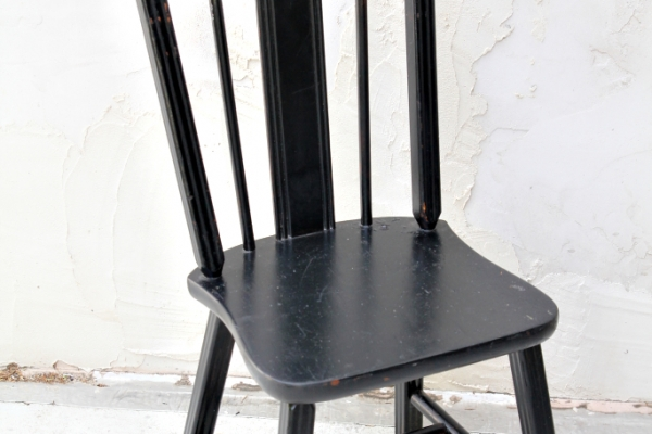 black-wood-chairF5580338-31D7-68F3-3DBF-3ECE4972ADDE.jpg