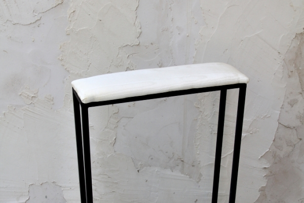 iron-kneeling-bench11A41264-DF68-98E7-4147-91A16ED7BDB9.jpg