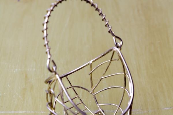 small-metal-basket9F71FA6D-D1A5-6262-F53E-A6499F02CA50.jpg
