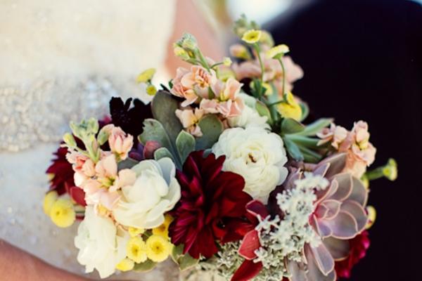 visual-lyrics-bouquets102312CB7B2-C606-B59F-99CD-16BFE000176C.jpg