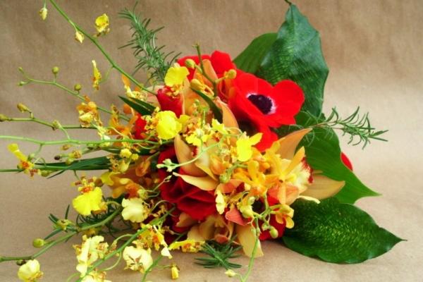 visual-lyrics-bouquets156C33C88D3-127F-E28B-B8A3-CD0D381E1E18.jpg