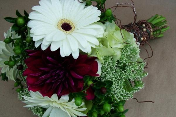 visual-lyrics-bouquets183E8525C4C-369C-FD3F-4BBC-6A5410838D8B.jpg