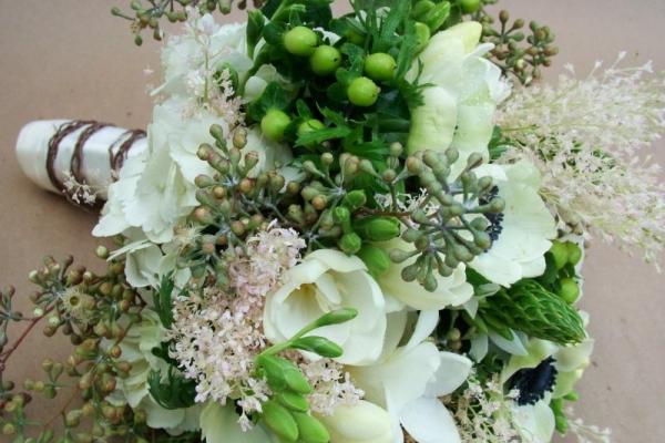 visual-lyrics-bouquets18569C6FEEC-7557-04FD-D0C8-07A683153C54.jpg