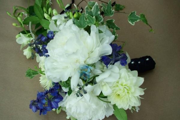 visual-lyrics-bouquets2027232C9F0-3BF5-305A-2D53-25D700F51085.jpg