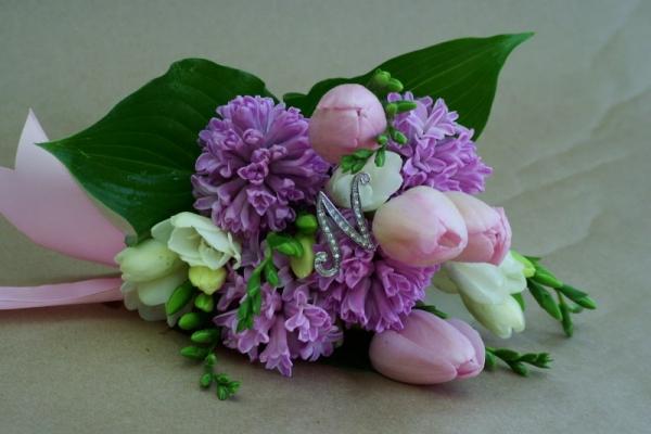 visual-lyrics-bouquets33BF634B96-E48A-09D5-F17E-090AB6287AAB.jpg