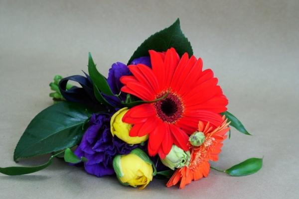 visual-lyrics-bouquets3922BD2F54-0E2A-1095-2F24-B5B8B5874E94.jpg