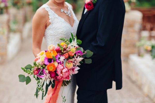 visual-lyrics-wedding-bouquet-2016-03EF88CE25-9ECE-FE59-7934-1342C3F753F2.jpg