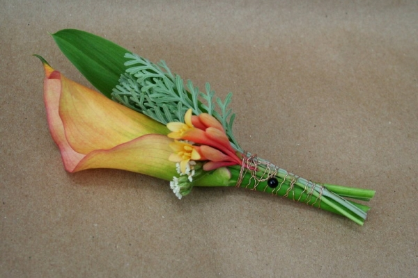 visual-lyrics-boutonniere2B5739428-7989-3B5E-6488-26298593A5A2.jpg