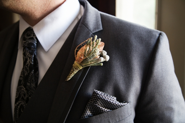 visual-lyrics-boutonniere58D09D3B99-1C07-42A6-044E-611A98C89990.jpg