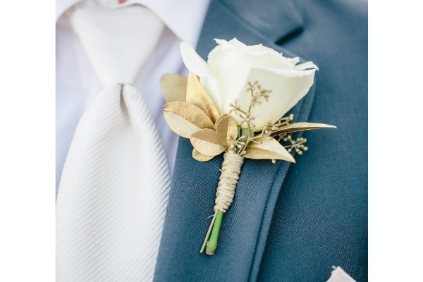 visual-lyrics-boutonniere59B336D3DF-F784-121B-D8F8-A9A005CCB4CD.jpg
